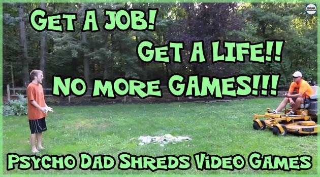 怒った父親がニート息子のゲームソフトを芝刈り機で破壊!