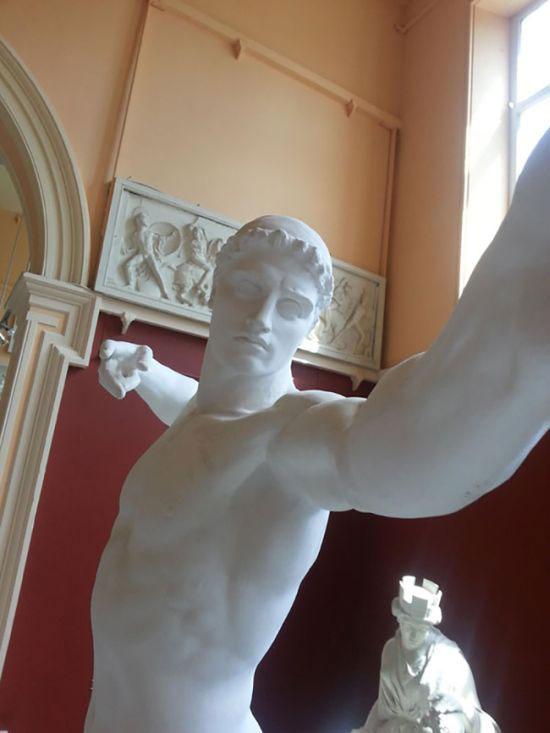 selfie_statues_04