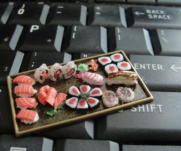 dollhouse_sushi_platter_by_fairchildart-d7afji2