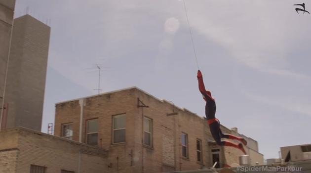 スパイダーマンが現実に現れた!?パルクールスパイダーマン