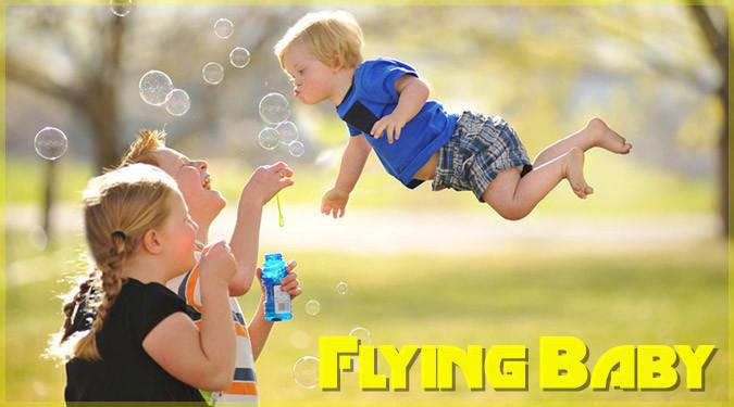 ダウン症の息子のために制作した空飛ぶ赤ちゃんの写真集