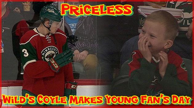 憧れのアイスホッケー選手に手を振ってもらった少年の可愛い反応