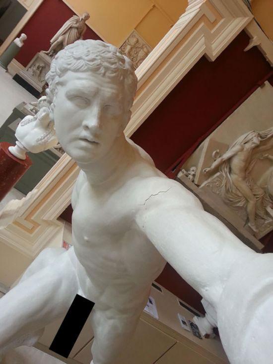 selfie_statues_03