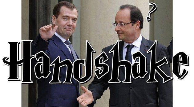 なぜ誰もフランス大統領と握手したがらない!?話題の面白画像