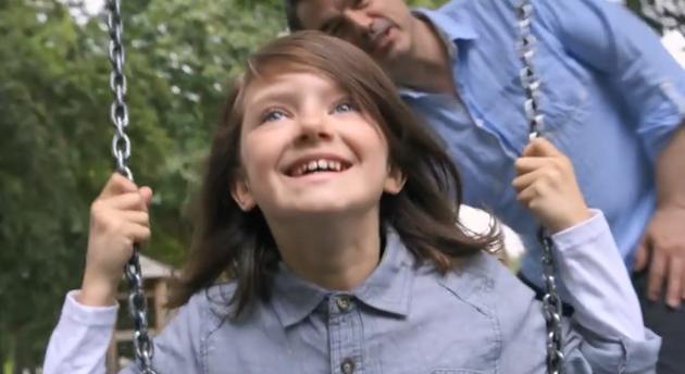 少女の幸せな人生が深刻な人生へと変わる。心に訴えかける93秒の動画
