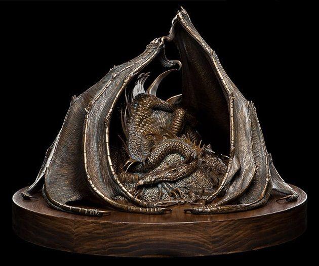 smaug-sculpture-1