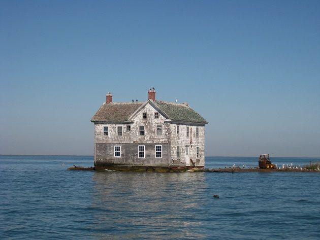 Holland_Island_house