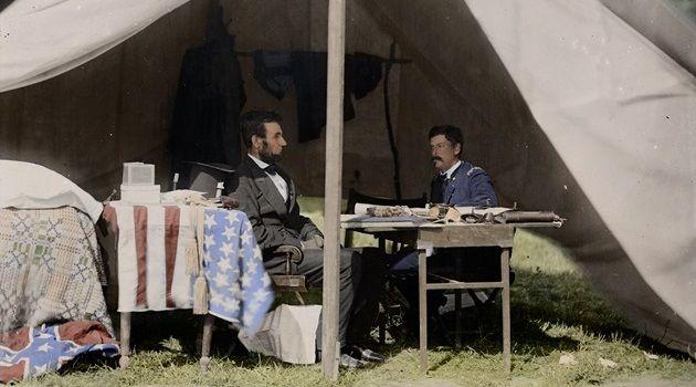 1800年から1931年の歴史的な写真を色鮮やかにカラー化した写真集