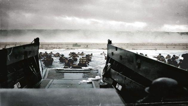 1935年から1969年の歴史的な写真を色鮮やかにカラー化した写真集