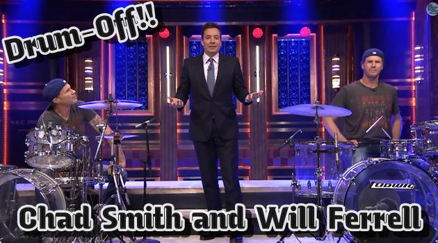 レッチリのチャド・スミスと俳優のウィル・フェレルがドラム対決