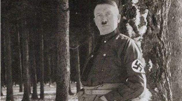 アドルフ・ヒトラーが権威の失墜を恐れて公開禁止にした写真集!